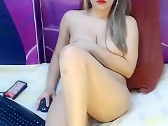 Attractive Yadra toy fucks herself